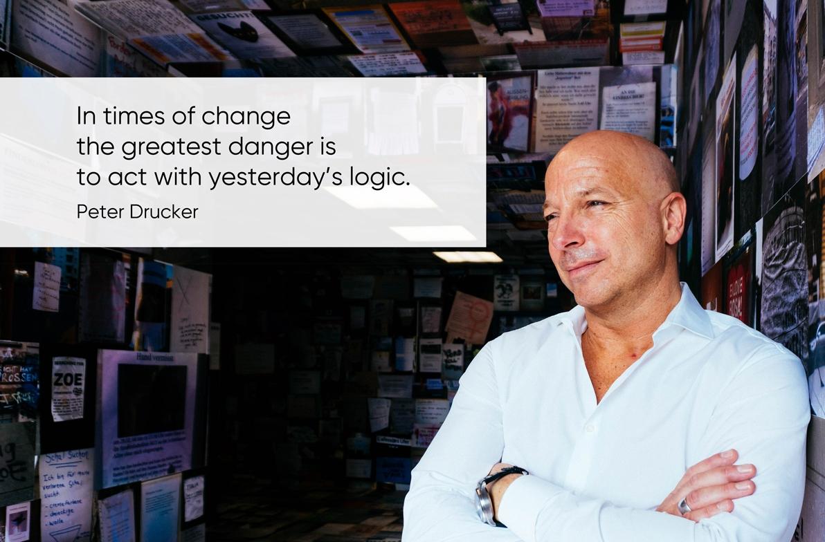 Zitat von Peter Drucker über Mindset und Leadership bei der Digitalisierung von XU Group Founder Christopher Jahns