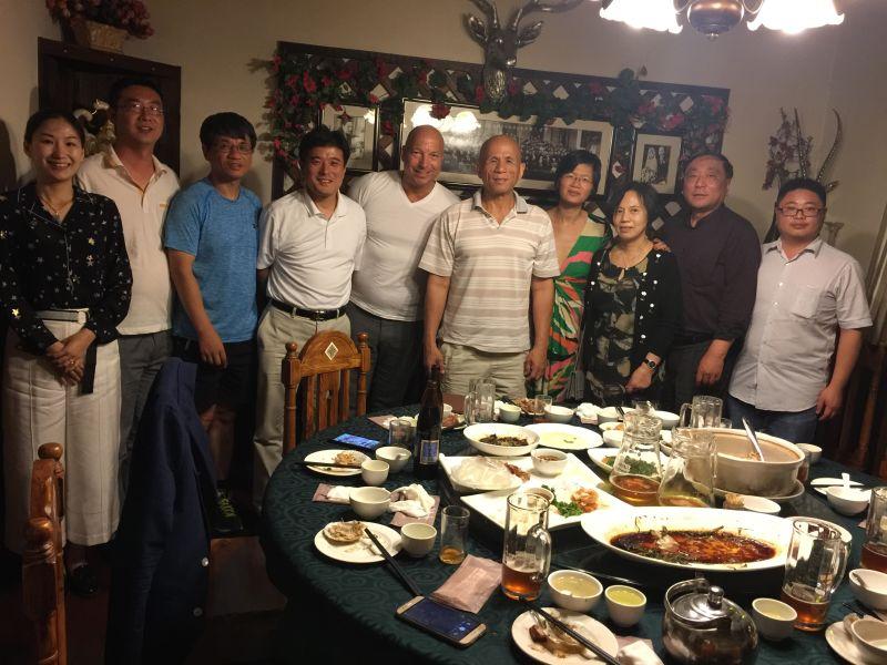 XU Group Founder Christopher Jahns beim privaten Abendessen mit Familie Zhu in Shanghai 2017