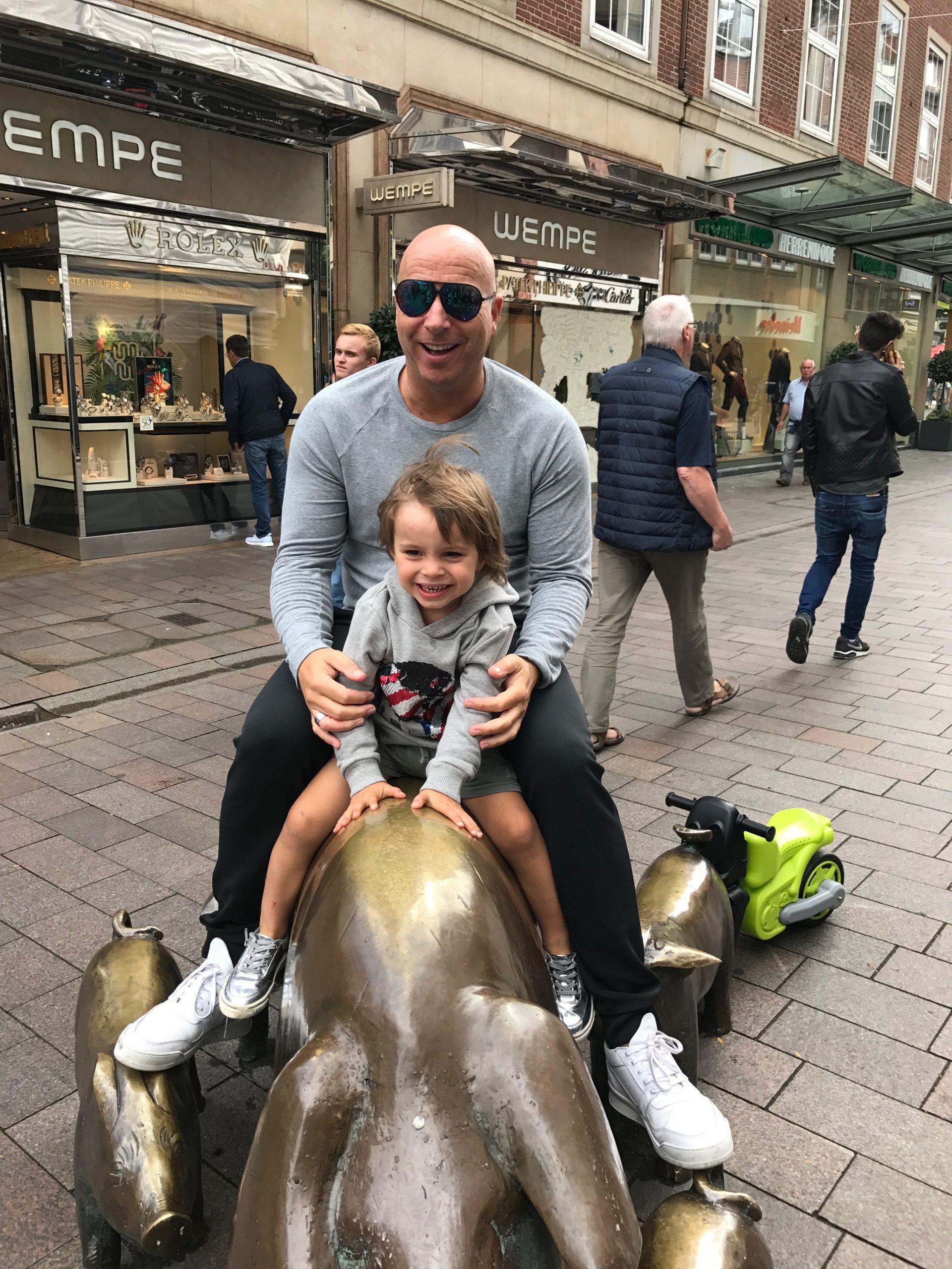 Christopher Jahns mit Sohn Luis privat in Bremen aufgenommen von Nicole Gaiziunas Jahns