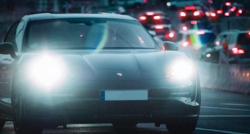 Agile Lösungen für die Automobilbranche: So kriegen wir mehr E-Autos auf deutsche Straßen